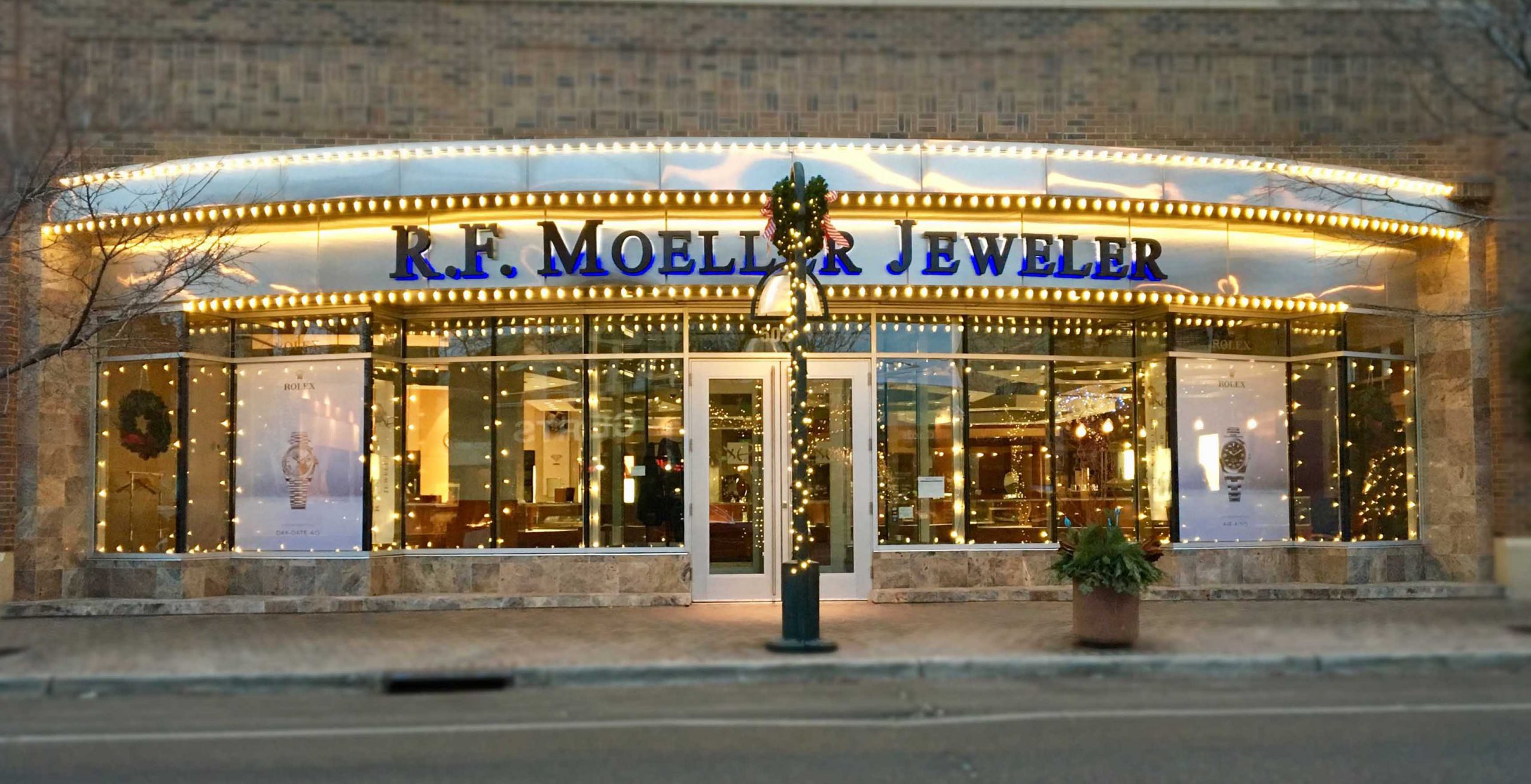Happy Holidays from R.F. Moeller Jeweler