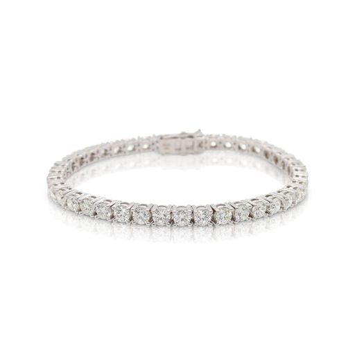 This diamond tennis bracelet from Forevermark Tribute™ Collection is crafted from 14k white gold and features 9.00 total carats of diamonds.