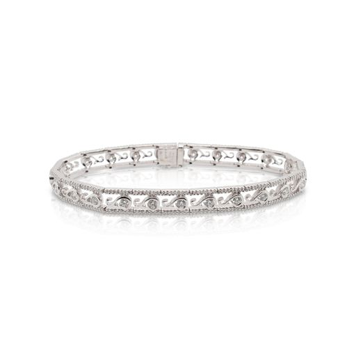 This diamond bracelet by Gregg Ruth is crafted from 18k white gold and features 3.00 total carats of diamonds.