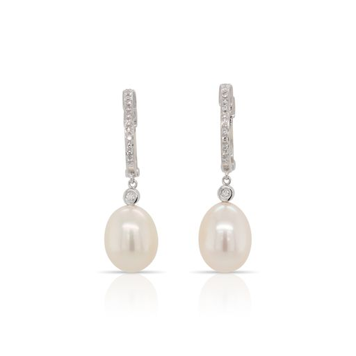This pair of pearl and diamond earrings by Rafael is crafted from 14k white gold and features two pearls and 0.08 total carats of diamonds.